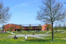 Zentralbibliothek Bayreuth im Frühling